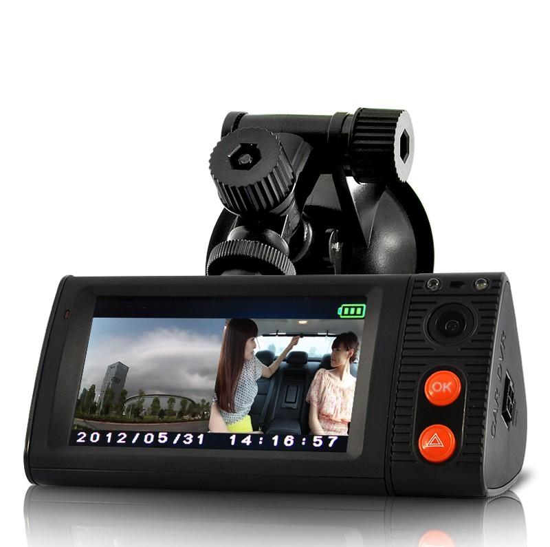 Videoregistratorius su 2 kameromis bei 3 colių liečiamu ekranu