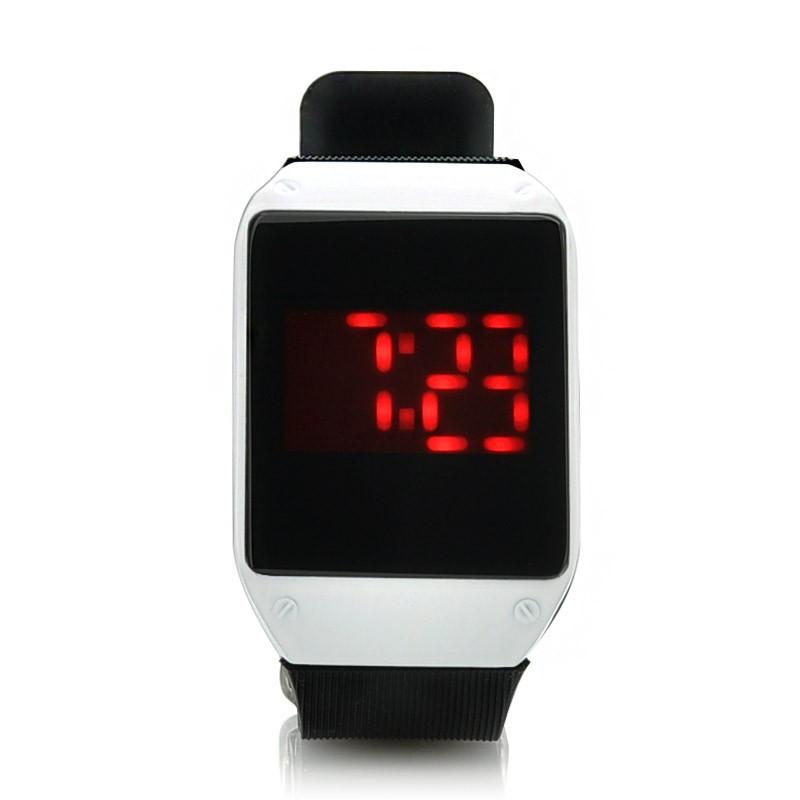28 LED Diodų Laikrodis Su Liečiamu Ekranu (Silikoninė apyrankė)